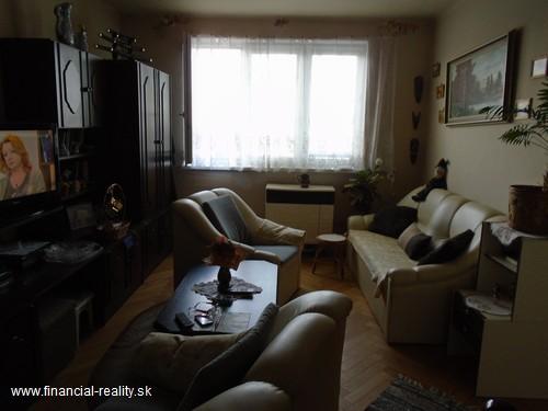 2 izbový byt s balkónom  na predaj v Komárne časť Ďulov Dvor