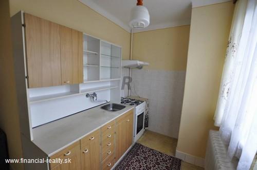 Hurbanovo - 3 izbový byt v  centre mesta na predaj