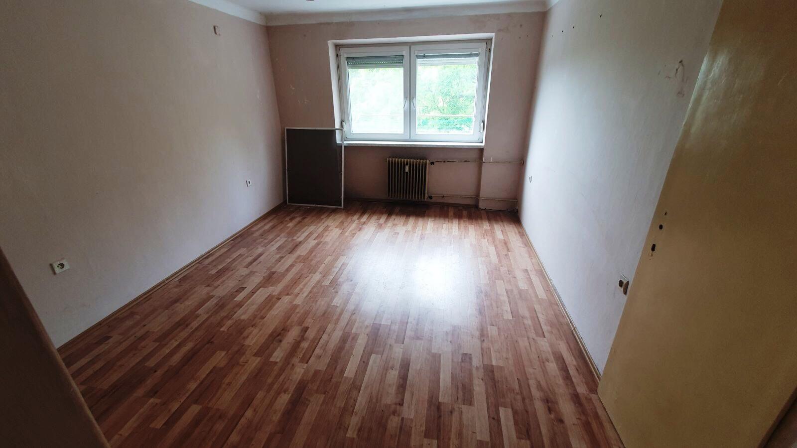 Komárno - 3-izbový byt po čiastočnej rekonštrukcii na predaj