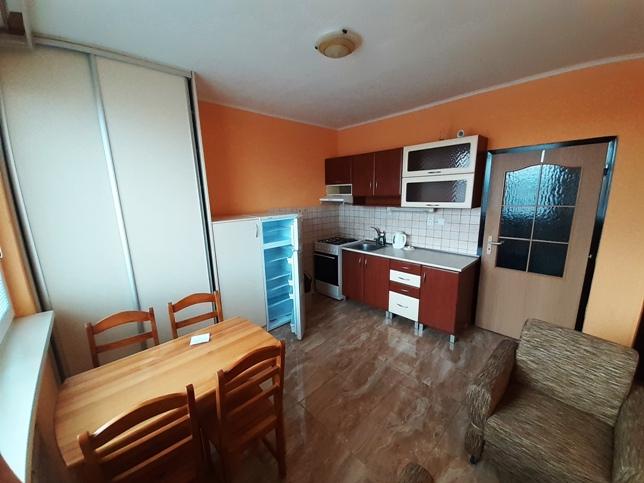 PRENAJATÉ - Komárno - 1-izbový byt na Špitálskej  na prenájom