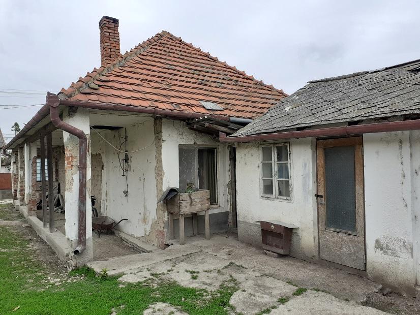 Holiare - rodinný dom na 7 árovom pozemku