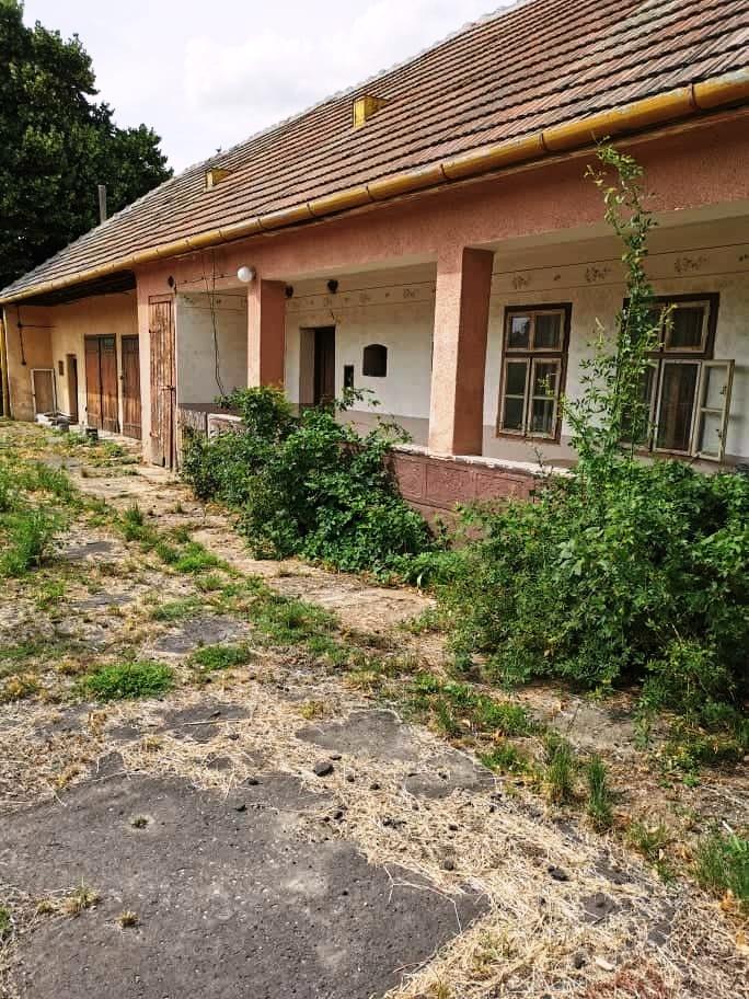 PREDANÉ - Hurbanovo - Bohatá dom v pôvodnom stave na predaj