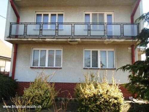 PREDANÉ - Hurbanovo - poschodový rodinný dom na predaj
