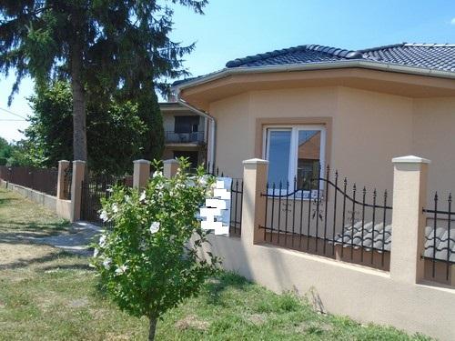 REZERVOVANÉ - Hurbanovo - rodinný dom na kľúč na predaj