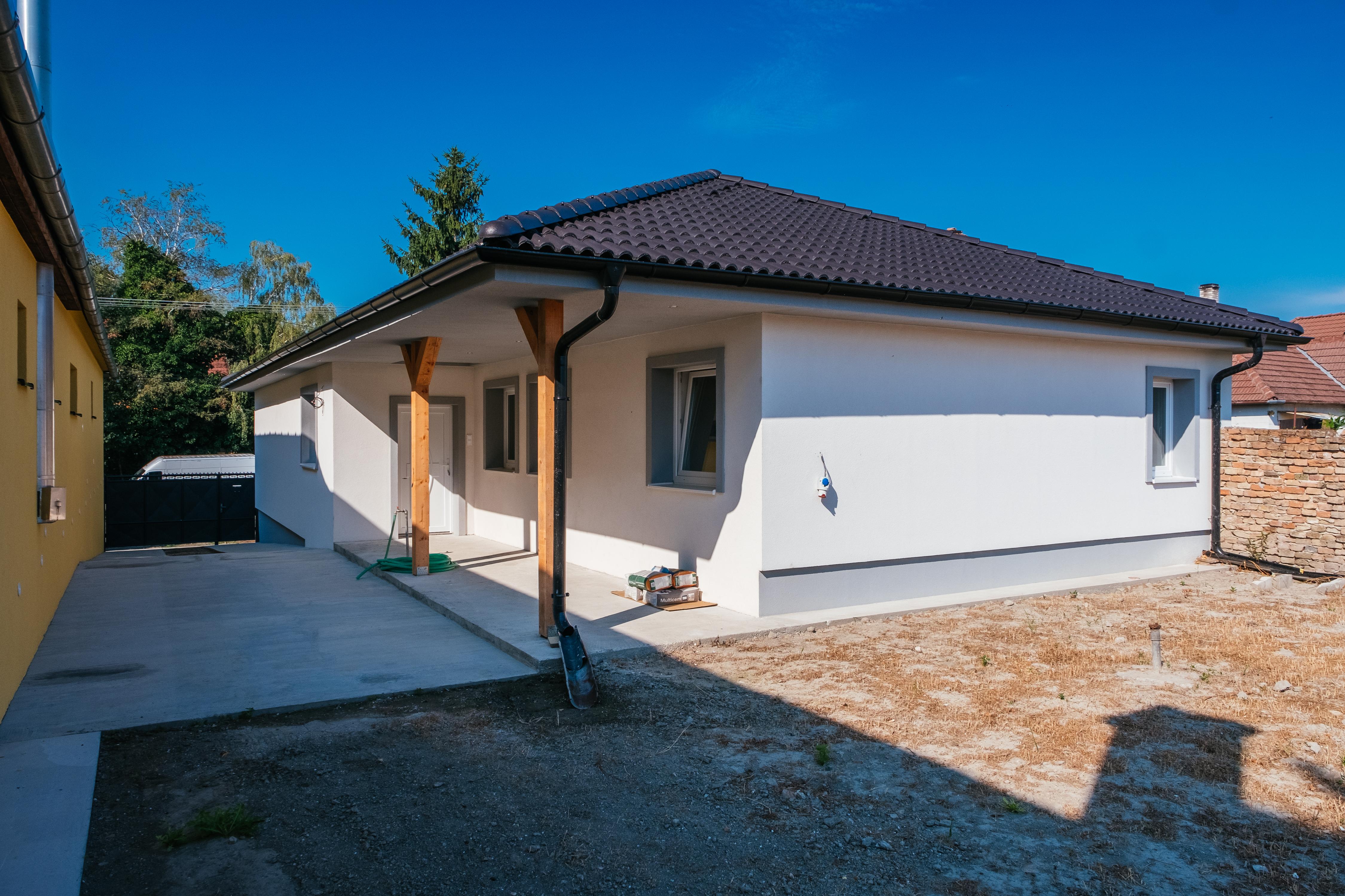 ZĽAVA - Kolárovo - kompletne prerobený dom na predaj