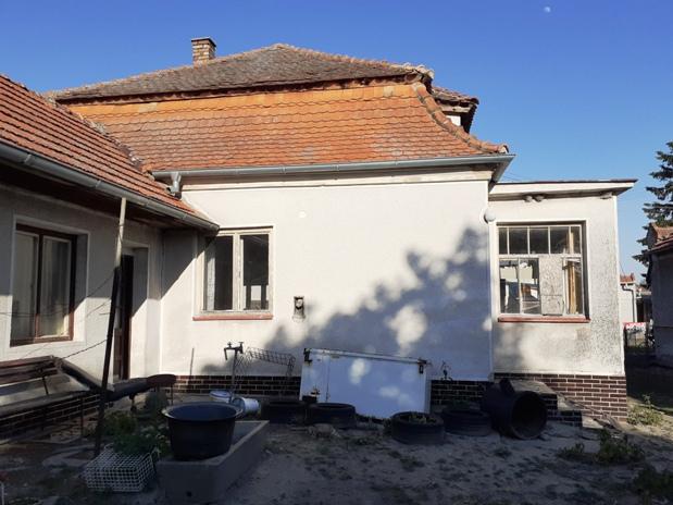 Okoličná na Ostrove - dom na 23,5 árovom pozemku na predaj