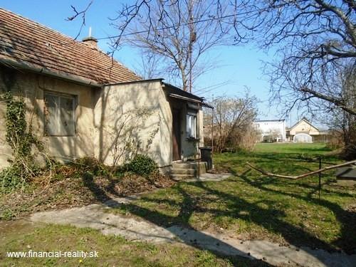 Imeľ - starší rodinný dom na predaj