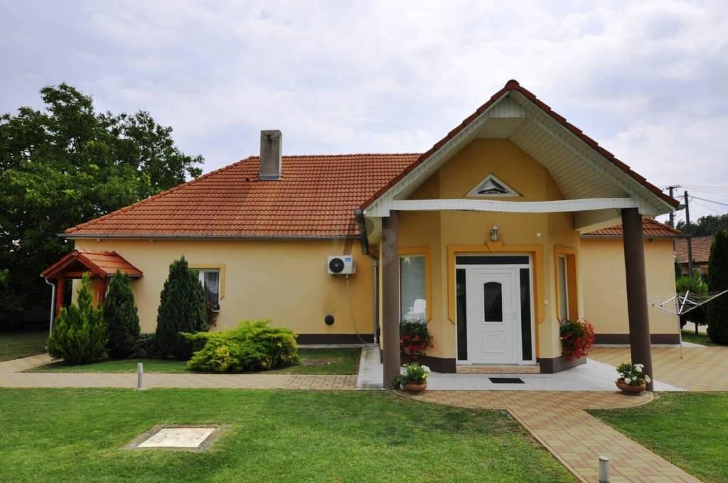 PREDANÉ - Krásny rodinný dom na predaj Klížska Nemá