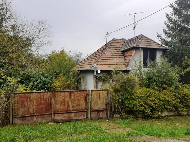 Šarkan - dom na 30 árovom pozemku