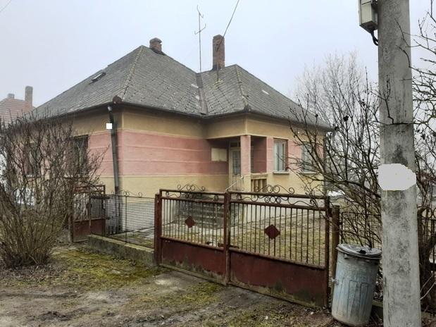 Veľké Kosihy - dom na 16 árovom pozemku